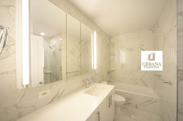 1 Bedroom, Lenox Hill Rental in NYC for $8,500 - Photo 2
