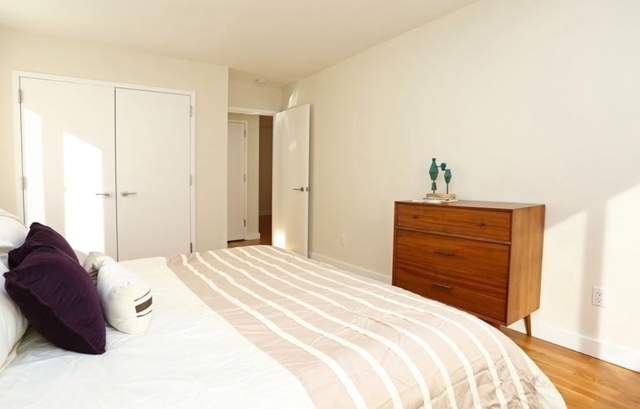 1 Bedroom, Chelsea Rental in NYC for $4,996 - Photo 2