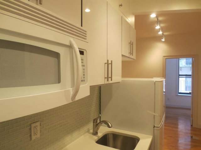 1 Bedroom, Little Italy Rental in NYC for $3,095 - Photo 2