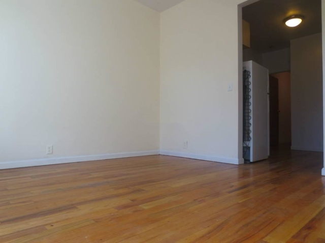 1 Bedroom, Rose Hill Rental in NYC for $2,475 - Photo 2
