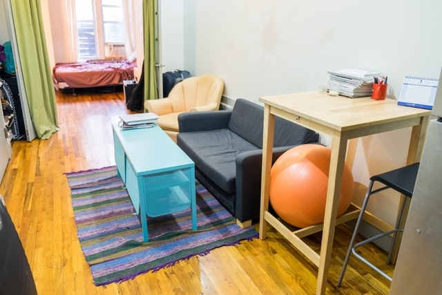 2 Bedrooms, East Williamsburg Rental in NYC for $2,588 - Photo 2