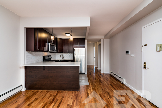 3 Bedrooms, Arverne Rental in NYC for $2,500 - Photo 2
