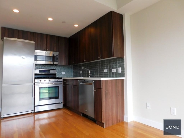 3 Bedrooms, Chelsea Rental in NYC for $6,795 - Photo 2