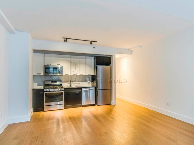 1 Bedroom, Financial District Rental in NYC for $3,575 - Photo 2