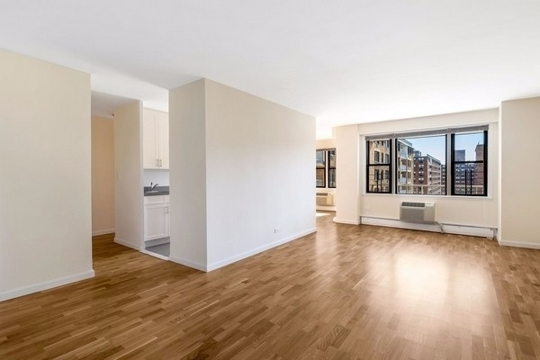 2 Bedrooms, South Corona Rental in NYC for $2,495 - Photo 1