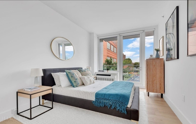 2 Bedrooms, Astoria Rental in NYC for $3,369 - Photo 2
