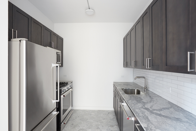 Studio, Lincoln Square Rental in NYC for $3,159 - Photo 2