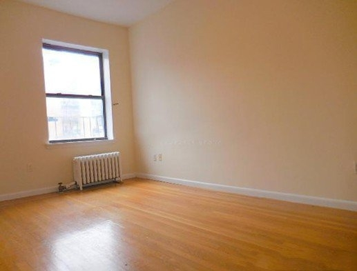2 Bedrooms, Rose Hill Rental in NYC for $3,000 - Photo 2