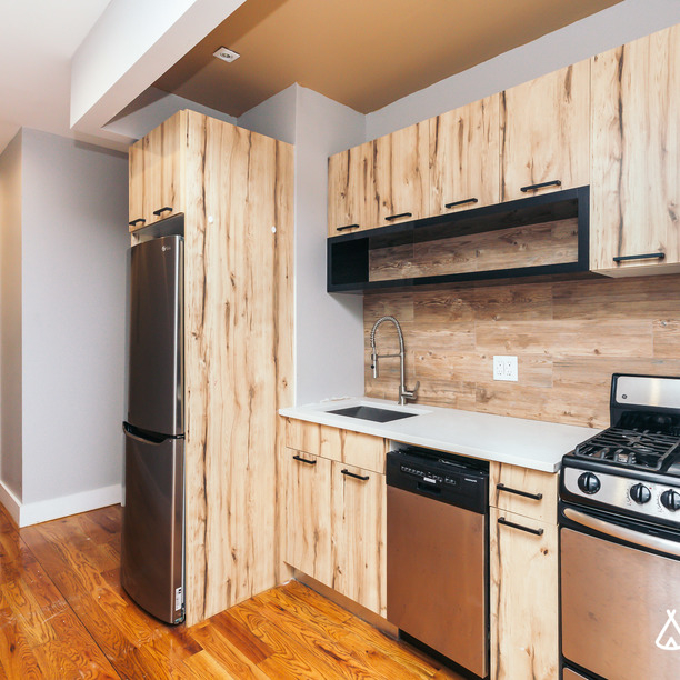 4 Bedrooms, Glendale Rental in NYC for $3,350 - Photo 1