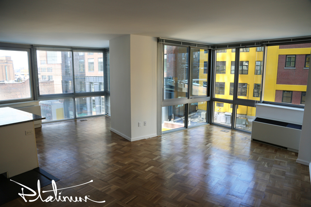3 Bedrooms, Hell's Kitchen Rental in NYC for $5,272 - Photo 2
