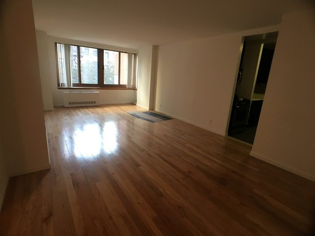 2 Bedrooms, Carnegie Hill Rental in NYC for $4,695 - Photo 1