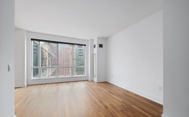 Studio, Garment District Rental in NYC for $2,750 - Photo 1