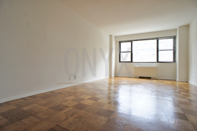 Studio, Theater District Rental in NYC for $2,360 - Photo 1
