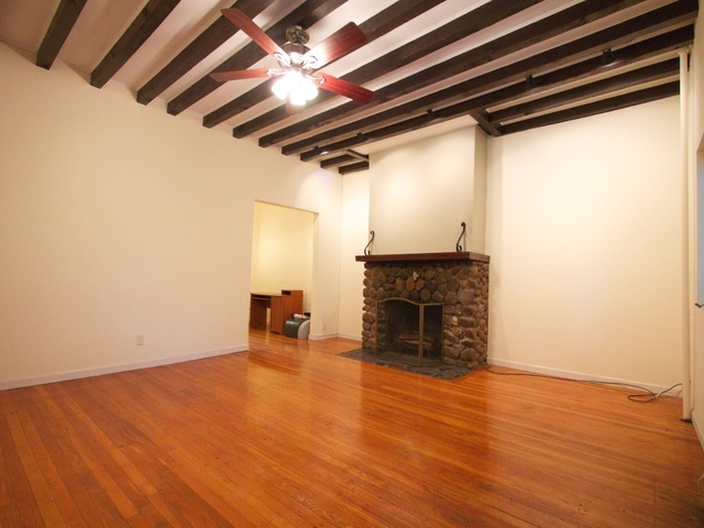 1 Bedroom, Bayside Rental in NYC for $1,900 - Photo 2
