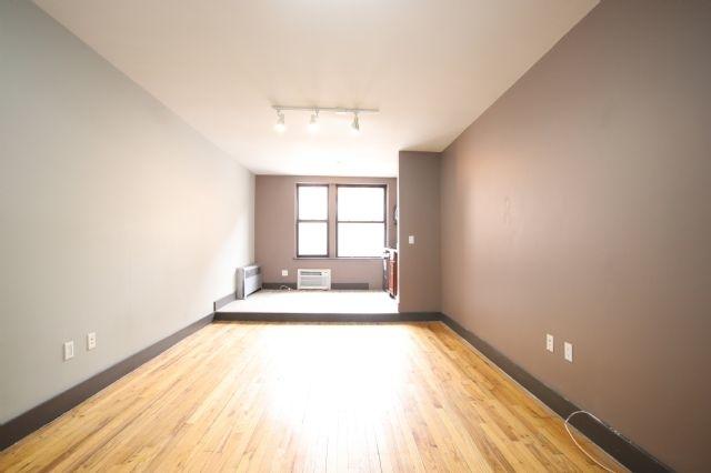 Studio, East Village Rental in NYC for $2,175 - Photo 2