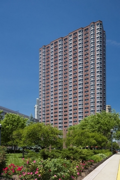 2 Bedrooms, Newport Rental in NYC for $3,652 - Photo 1