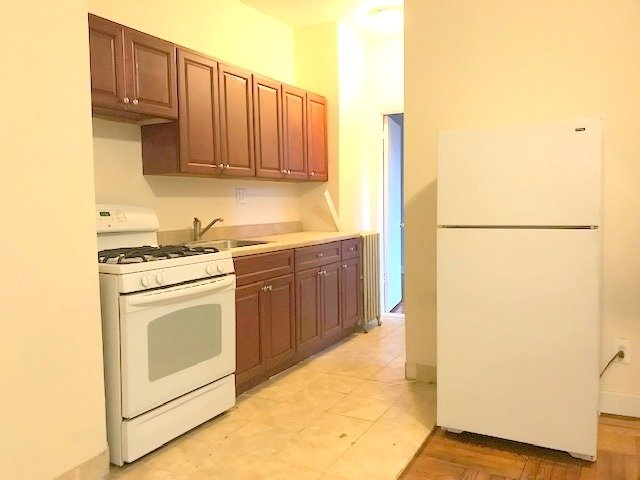 1 Bedroom, Caton Park Rental in NYC for $1,800 - Photo 2