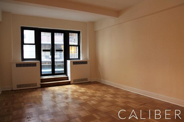 2 Bedrooms, Midtown East Rental in NYC for $4,775 - Photo 1