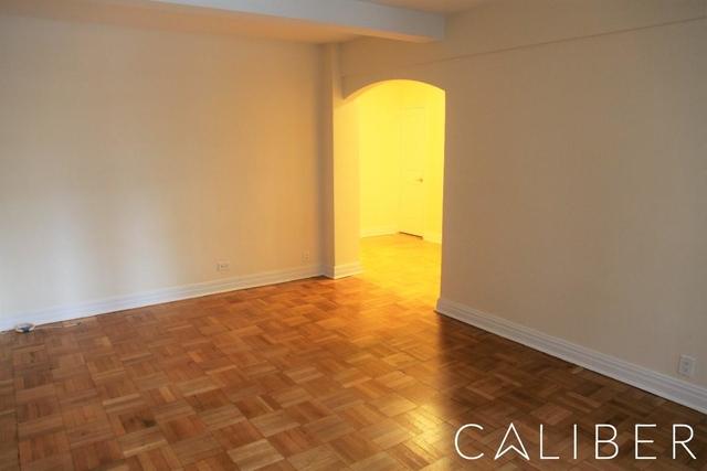 2 Bedrooms, Midtown East Rental in NYC for $4,775 - Photo 2