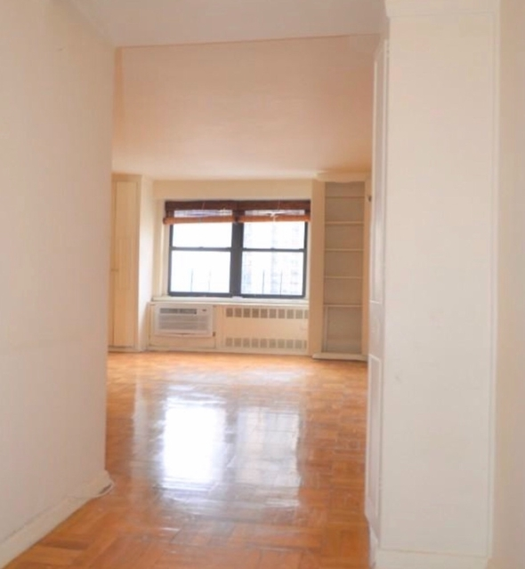 1 Bedroom, Chelsea Rental in NYC for $3,784 - Photo 2