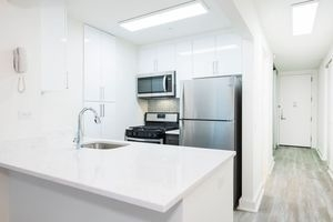 1 Bedroom, Financial District Rental in NYC for $4,187 - Photo 2