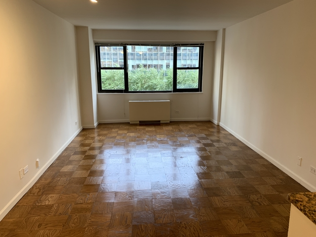 Studio, Hell's Kitchen Rental in NYC for $2,475 - Photo 2