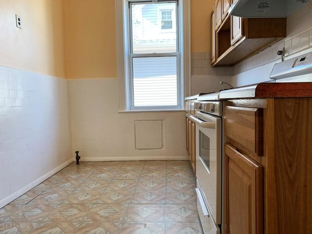 2 Bedrooms, Ozone Park Rental in NYC for $2,000 - Photo 2