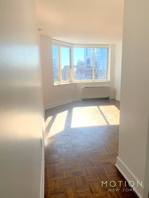 2 Bedrooms, Hell's Kitchen Rental in NYC for $4,620 - Photo 1
