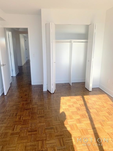 2 Bedrooms, Hell's Kitchen Rental in NYC for $4,620 - Photo 2