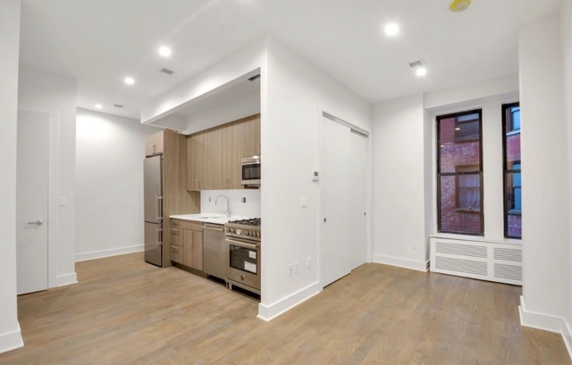 2 Bedrooms, NoMad Rental in NYC for $5,195 - Photo 2