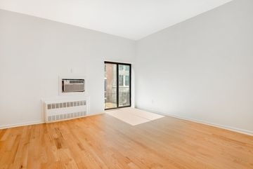 Studio, Gramercy Park Rental in NYC for $2,400 - Photo 2
