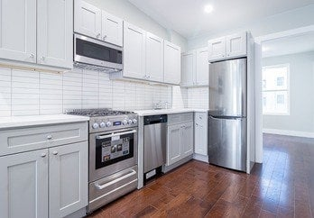 2 Bedrooms, Chelsea Rental in NYC for $3,500 - Photo 1