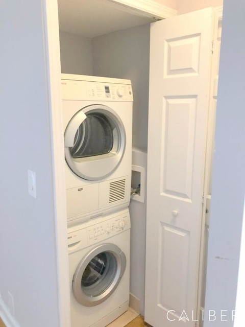 3 Bedrooms, Turtle Bay Rental in NYC for $6,456 - Photo 2