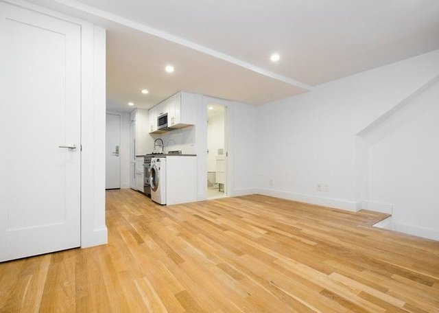 1 Bedroom, Gramercy Park Rental in NYC for $3,552 - Photo 2
