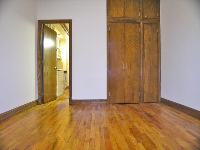 2 Bedrooms, Yorkville Rental in NYC for $2,945 - Photo 2