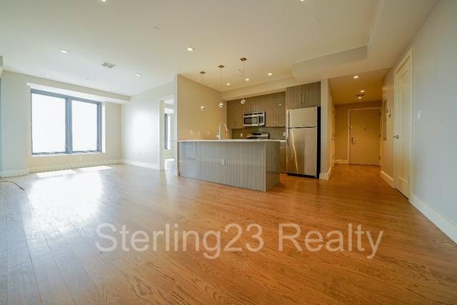 2 Bedrooms, Astoria Rental in NYC for $3,900 - Photo 2