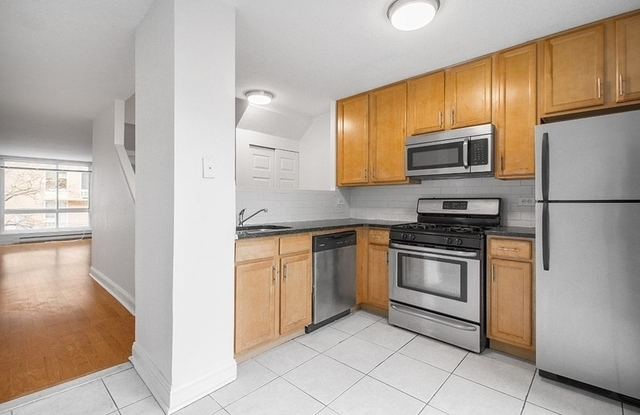 2 Bedrooms, Roosevelt Island Rental in NYC for $3,140 - Photo 2