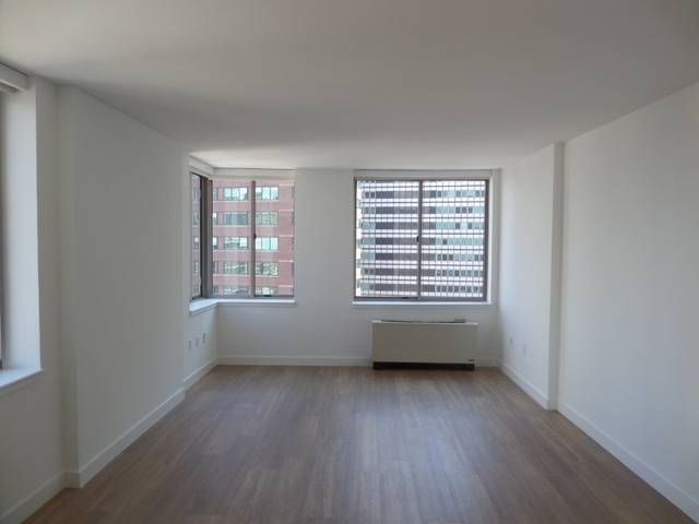 1 Bedroom, Financial District Rental in NYC for $4,375 - Photo 2