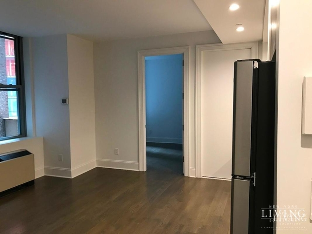 2 Bedrooms, Financial District Rental in NYC for $4,334 - Photo 2