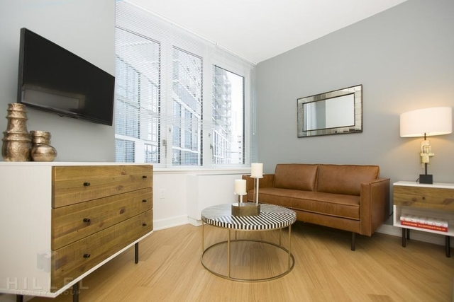 Studio, Long Island City Rental in NYC for $2,780 - Photo 2