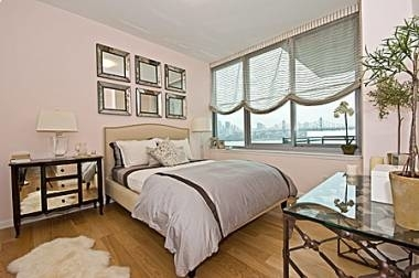 2 Bedrooms, Long Island City Rental in NYC for $3,853 - Photo 2