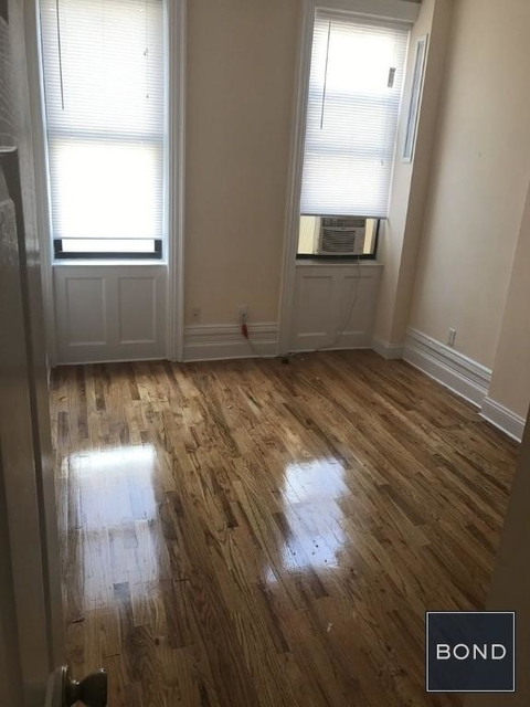 3 Bedrooms, Chelsea Rental in NYC for $5,000 - Photo 2
