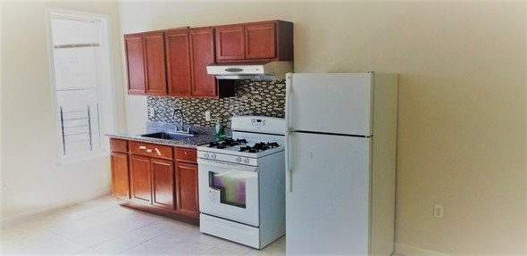 2 Bedrooms, Sunset Park Rental in NYC for $1,650 - Photo 1