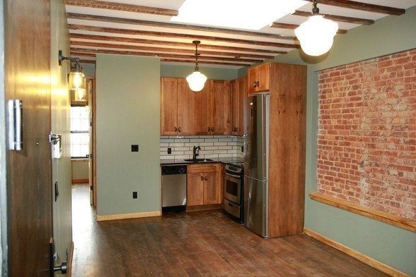 4 Bedrooms, East New York Rental in NYC for $4,600 - Photo 2