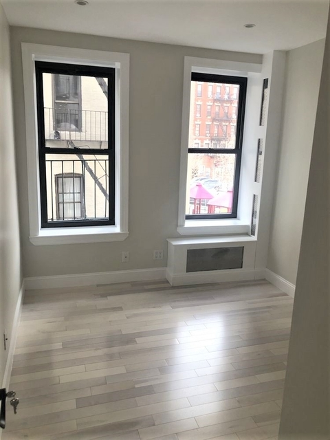 2 Bedrooms, Alphabet City Rental in NYC for $3,625 - Photo 1