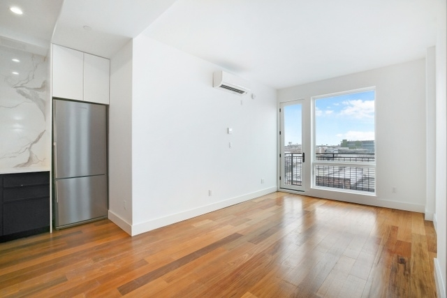 2 Bedrooms, Greenpoint Rental in NYC for $3,138 - Photo 1