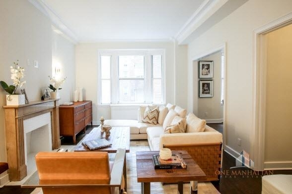 3 Bedrooms, Carnegie Hill Rental in NYC for $13,000 - Photo 1