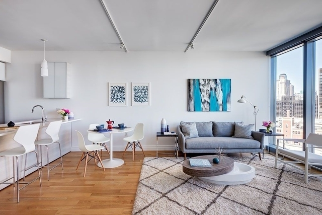 3 Bedrooms, Hell's Kitchen Rental in NYC for $4,217 - Photo 1