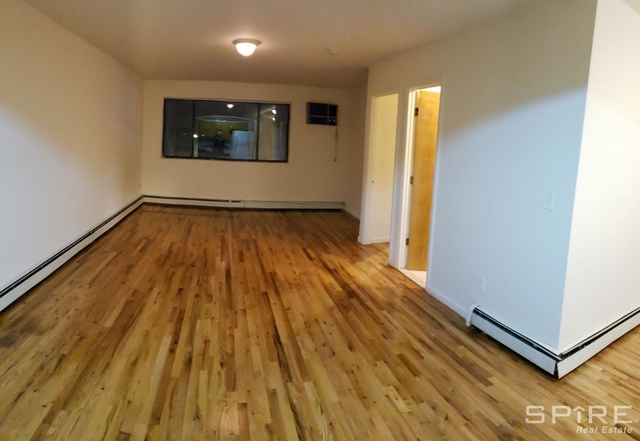 3 Bedrooms, Middle Village Rental in NYC for $2,400 - Photo 2