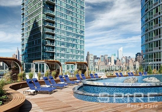 1 Bedroom, Hunters Point Rental in NYC for $2,585 - Photo 1